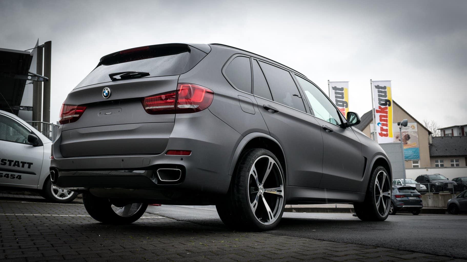 BMW X5 Charcoal Avery Folierung