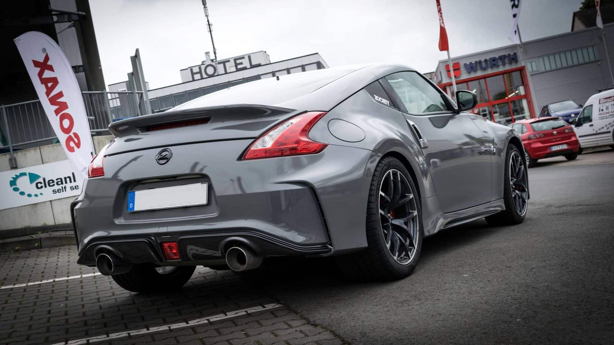 Nissan 370Z NISMO Folierung Avery Dark Grey