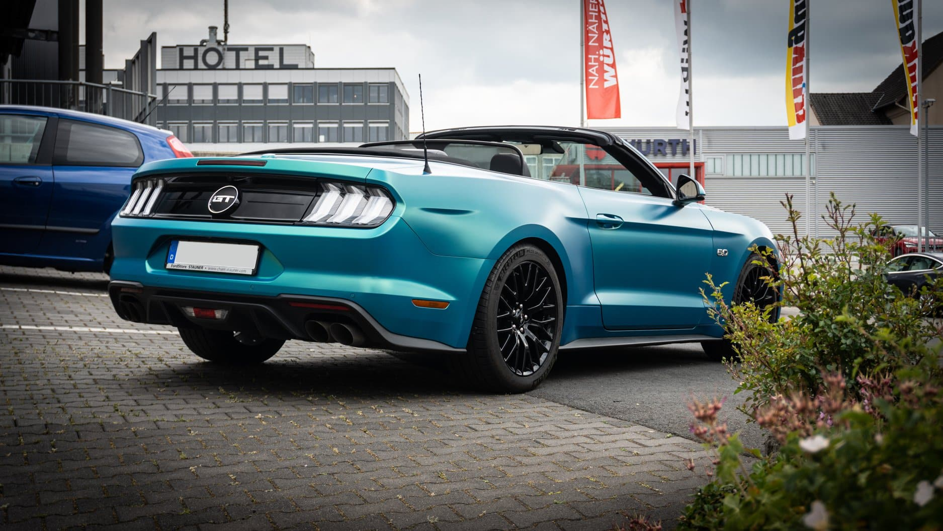 Ford Mustang Cabrio Folierung Vollfolierung Avery Cool Teal Satin